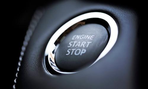 Ein Start Stop Knopf für ein Automatik Fahrzeug